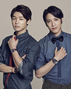 CNBLUE's Jung Yong Hwa and Kang Min Hyuk pair up for a charming FOSSIL photo shoot