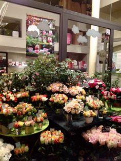"""My NCLM est complètement fan de la boutique """"Au nom de la rose """" ! Les roses sont si magnifiques...!"""