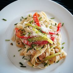 Pasta with chicken, celery and peppers