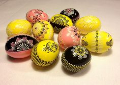 Items similar to Set of 10 color Easter Eggs - pink,yellow,black on Etsy Coloring Easter Eggs, Egg Art, Egg Decorating, Egg Shells, Pink Yellow, Etsy Seller, Wax, Arts And Crafts, Creative
