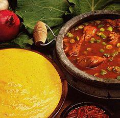 Frango com quiabo e angu Mexican Dishes, Mexican Food Recipes, Ethnic Recipes, Polenta, Brazil Food, Latin American Food, Pork Dishes, Food Festival, Diy Food