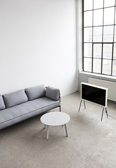 Minimalist Living Room // Find out how to How to declutter your living room in 4 simple steps at http://www.minimalistguy.net/home/minimalistlivingroom