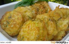 Cuketa v pikantním sýrovém těstíčku Baked Potato, Cauliflower, Muffin, Food And Drink, Potatoes, Meat, Chicken, Baking, Vegetables