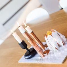 Coziness.  #kynttilät #candles #tunnelma #feeling #relax #holiday #vapaapäivä #iittala #nappula #beandliv #scandinavianhome #finnishhome #interior4all #nordichome #skandinaviskhem #skandinaviskehjem #details #detaljer #interior4all #interior123 #candleholder #white #home #decor #gift