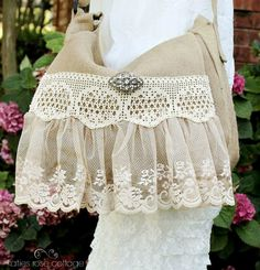 Vintage Lace Messenger Bag via Katies Rose Cottage Vintage Purses, Vintage Bags, Vintage Handbags, Lace Purse, Diy Purse, Handmade Purses, Handmade Handbags, Tela Shabby Chic, Gypsy Bag