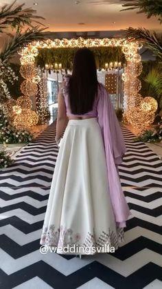 Indian Bridal Outfits, Indian Fashion Dresses, Fashion Outfits, Lehenga Skirt, Lehnga Dress, Bridal Suits Punjabi, Purple Outfits, Designer Dresses, Designer Wear