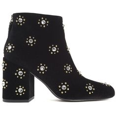 Senso Jamie Embellished Velvet Ankle Boots (4.285 ARS) ❤ liked on Polyvore featuring shoes, boots, ankle booties, black, nero, black booties, black pointed toe booties, black bootie, pointy-toe ankle boots and black studded booties