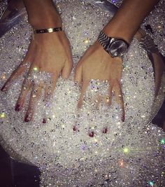 You're a cop, which means you have to find those diamonds! Glitter Make Up, Glitter Art, Sparkles Glitter, Glitter Tumblr, Boujee Aesthetic, Bad Girl Aesthetic, Aesthetic Vintage, Aesthetic Pictures, Les Muppets