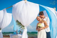 Mayan Riviera wedding photographers. Destination wedding photographer. Wedding photographer. Riviera Maya wedding photographer. Visit http://elena-fedorova.com/project/mayan-riviera-wedding-photographer/