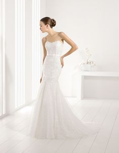 JARDIN - Adriana Alier beautiful lace fit-and-flare wedding dress