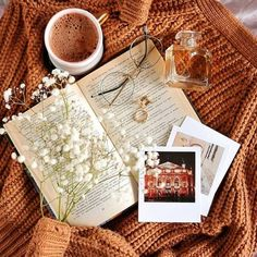 The Gifts Featured Artist reirei_illustration. Flat Lay Photography, Autumn Photography, Book Photography, Beauty Photography, Portrait Photography, Cozy Aesthetic, Autumn Aesthetic, Fall Inspiration, Autumn Cozy