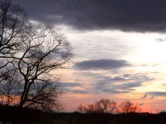 菰野地区 日の出前の幻想的な風景