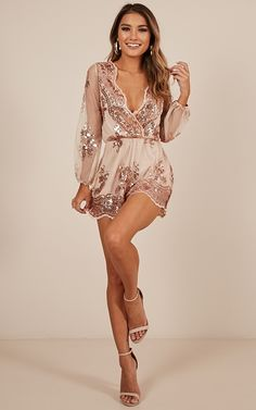 Big Baller Playsuit In Rose Gold Sequin Produced - Snore Tutorial and Ideas Hoco Dresses, Cute Dresses, Cute Outfits, Bridesmaid Dresses, Formal Dresses, Elegant Homecoming Dresses, Vegas Dresses, Black Women Fashion, Look Fashion