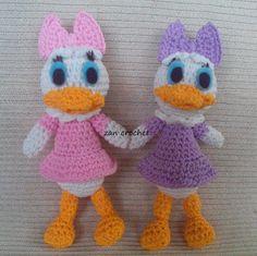Daisy Duck - Amigurumi Donald en Daisy zijn mijn favorieten, maar het is moeilijk een gratis patroon van ze te vinden. Dus daarom heb ik het...