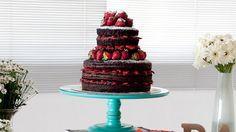 Naked cake de chocolate e morango para comer com os olhos