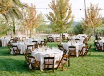 Outdoor parties are the best with friends! Gorgeous dinner party.