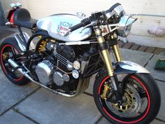 1959 NORTON CAFE RACER STREETFIGHTER FOR SALE! Its had a complete gold front end off a 2006 1050 speed Triple, rear wheel of a triumph. NOT A CHEAP BIKE  BUT A VERY SPECIAL BIT OF KIT THAT DRAWS  ATTENTION MOVEING AND STANDING