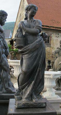 Stone and Garden - Statuen - Brunnen - Steinbänke: Statue Winter von Zykulus der vier Jahreszeiten