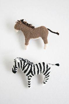 horse and zebra brooches | HIPOTA