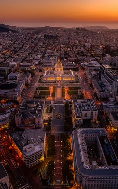 Lining up City Hall in San Francisco P. (at City Hall) San Francisco California, San Francisco Bay, California Usa, Aerial Photography, Travel Photography, Time Photography, Landscape Photography, San Francisco Sites, San Fransisco