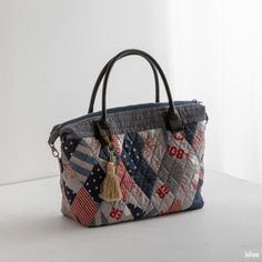 Patchwork Bags, Quilted Bag, Japanese Bag, Fabric Bags, Big Bags, Handmade Bags, Louis Vuitton Damier, Diy And Crafts, Quilts