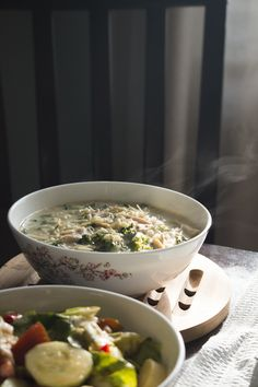 This hearty Greek lemon chicken soup is full of orzo, shredded chicken, and kale, and comes together in only 30 minutes. An easy avgolemono soup recipe! Soup Recipes, Whole Food Recipes, Chicken Recipes, Greek Lemon Chicken Soup, Chicken Carbonara Recipe, Real Cooking, How To Cook Chicken, Cooked Chicken, Beautiful Soup