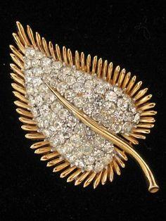 Rhinestone Brooch Pin Signed Crown Trifari