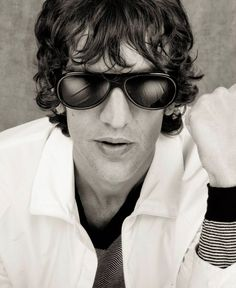 Favorite photos of The Verve / Richard Ashcroft / Gallaghers etc. The Verve, Rock N Roll, My Hair, Hair Ideas, Musicians, Mens Sunglasses, Shirt, Inspiration, Style