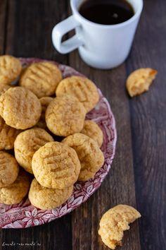 Fursecuri de post cu gem de caise si rom Cake Cookies, Vegan Recipes, Vegan Food, Cereal, Muffin, Breakfast, Sweet, Desserts, Drink