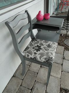 Telephone Table, Gossip Bench, Neutral Gray. Modern Vintage. I have one of these in my attic.