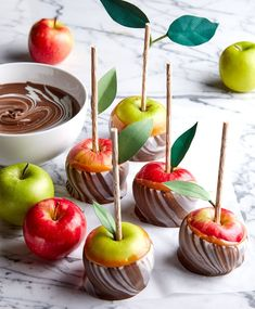 Take caramel apples up a notch with a triple dip in caramel, chocolate, and vanilla candy coating. The result is a stunning swirl effect to your dipped apple. Chocolate Candy Melts, Chocolate Flavors, Apple Picking Season, Apples Photography, Candy Bark, Candy Apples, Vanilla Flavoring, Better Homes And Gardens, Caramel Apples