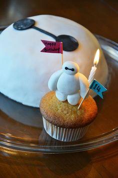 Baymax Birthday Cake and Cupcake Combo