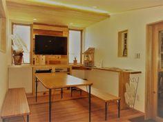 ショールームスペース 吉野杉とサンゴ 漆喰の絶妙なコントラストが最高ですね。^^