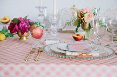 Mesa Pêssego, decoração mesa posta, como colocar a mesa, tema para festa adulta, peach tablescape, tablescape inspiration, spring decor