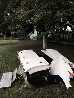 Twitter / BBCDanielS: The overhead lockers from MH17 ...