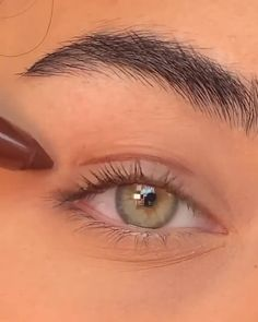 Matte Makeup, Neutral Makeup, Glowy Makeup, Contour Makeup, Face Makeup Tips, Cat Eye Makeup, Makeup Goals, Makeup Videos, Eye Makeup Designs