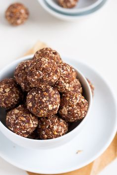 No-Bake Peanut Butter Energy Bites. 6 Ingredients and Super Easy  - kochkarussell.com