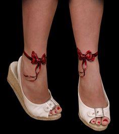 http://www.videobuzzy.com/36-tatouages-surprenants-qui-creent-des-illusions-doptique-hypnotisant-10543.news?utm_source=outbrain_FR4&utm_medium=referral