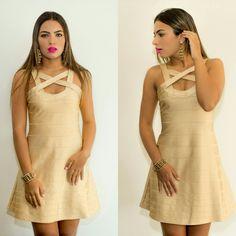 Já  escolheu o que vestir  neste final de semana?  Que tal este vestido de bandagem na cor dourada?  Disponível em nosso site :  WWW.SANTOLLO.COM.BR   Enviamos para todo Brasil   Visite nossa loja :  Santóllo Modas  Rua :Juca Marinho, 15 (Rua de cima do Ômory)  Bairro São Sebastião (Mercês)  Uberaba /MG   Telefones : Comercial : (34) 33166586  WhatsApp : (34) 988112985   #moda #model #primavera #verao #look #fashion #weekend #party #dress #vestidos #bandagem #bestoftheday #uberaba…