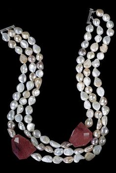 Multi-baroque pearl necklace with two large cherry quartz Baroque Pearl Necklace, Baroque Pearls, Pearl Jewelry, Beaded Jewelry, Jewelery, Jewelry Necklaces, Pearl Bracelets, Pearl Rings, Pearl Necklaces