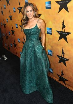 Sarah Jessica Parker wears a green sequinned ball gown to the opening night of Hamilton the musical  - Cosmopolitan.co.uk