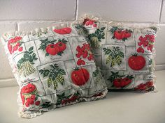 Vintage Throw Pillows Summer Print Fabric Vegetable Garden Tomatoes Beans Peas by EclectiquesBoutique