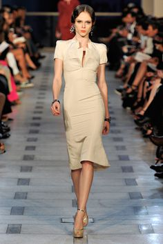 Zac Posen spring 2012 RTW runway, Coco is a great model for this dress, I love her!