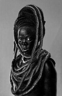 www.lensculture.com articles zanele-muholi-brave-beauties-zanele-muholi-on-self-portraiture
