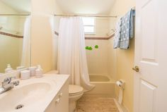 13712 NW 10th Ct Pembroke-large-033-Bathroom