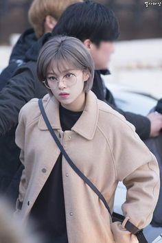 Twice Jungyeon Jeongyeon Kpop Girl Groups, Korean Girl Groups, Kpop Girls, Korean Short Hair, Short Hair Cuts, Lee Joo Young, Twice Jungyeon, Shot Hair Styles, One In A Million