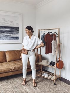 5 Pieces / 10 Outfits (Plus Accessories! White Outfits, Jean Outfits, Trendy Outfits, Fashion Outfits, Casual Jeans Outfit Summer, White Pants Outfit, Club Outfits, Office Outfits, Fashion Fashion