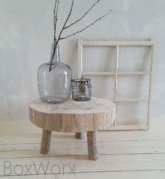 Mooi tafeltje van een boomstam met een diameter van maar liefst 56 cm.