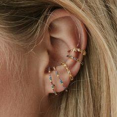 Rue Gembon Kris Gold Rainbow Earrings Source by ruegembon Ear Jewelry, Cute Jewelry, Body Jewelry, Jewelry Accessories, Ear Cuff Piercing, Cute Ear Piercings, Ear Cuffs, White Gold Bridal Jewellery, Bijou Box
