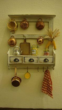 miniature panel box with drawers kitchen van bagusitaly op Etsy, Vitrine Miniature, Miniature Rooms, Miniature Kitchen, Miniature Houses, Miniature Furniture, Doll Furniture, Dollhouse Furniture, Plywood Furniture, Modern Furniture